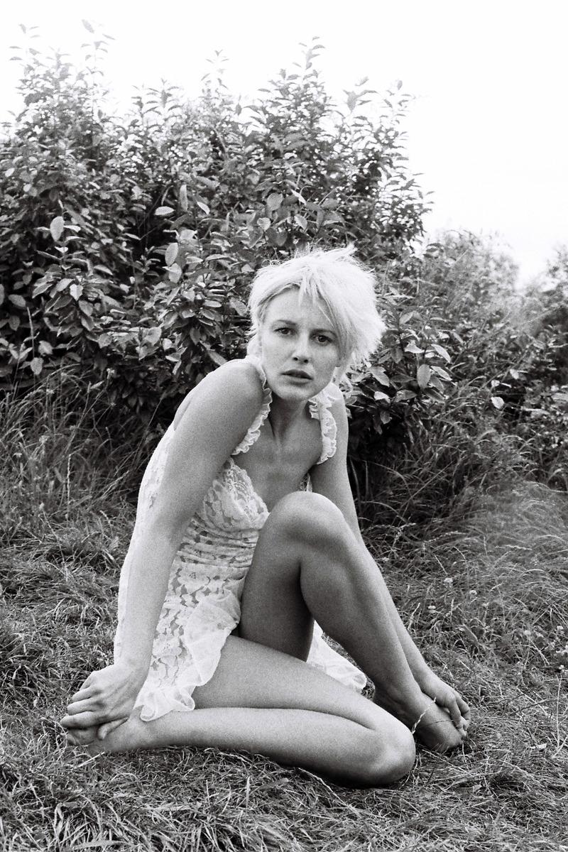 Florence Thomassin Nude Photos 89